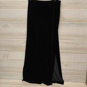 {L} Tadashi Shoji Classic Black Velvet Maxi Skirt